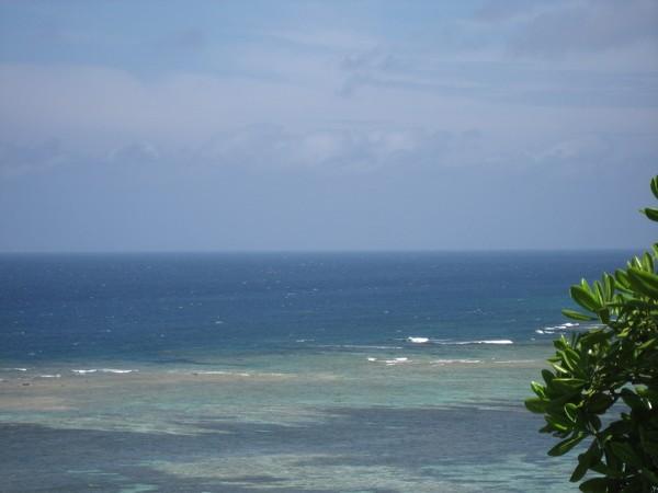 珊瑚礁の海とアウターリーフ