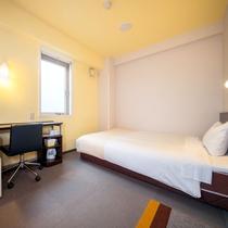 シングルルーム~眠りを追及した150cm幅のワイドベッドと適度な硬さのマットでぐっすり~