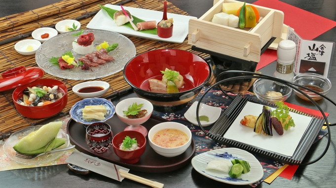 【秋冬旅セール】桜刺し(馬刺し)食べ比べプレミアム和懐石!