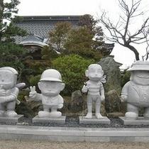 藤子マンガ石像