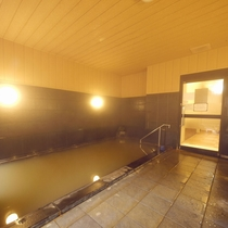男性内風呂 シェービングフォーム・ボディーソープ・シャンプー・コンディショナー