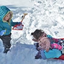 【アクティビティ】冬は楽しく雪遊び♪お子様大はしゃぎ^^