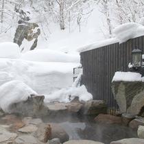 *【滝見の湯】男女別に露天風呂がついております。冬には雪見露天もお楽しみ頂けます。