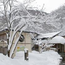 *【外観】雪深い中にひっそりとたたずんでおります。