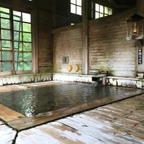 *【健六の湯】総ヒバ造りのお風呂…青森ヒバのぬくもりを感じられます。