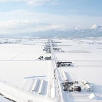 *冬のアクティビティ/こんな絶景を味わえる冬限定の体験プログラム「熱気球」もあります。