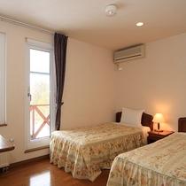 *【綺麗な夕日が見えるお部屋】和洋室/5名様まで泊まれる広いお部屋はグループにお勧め。
