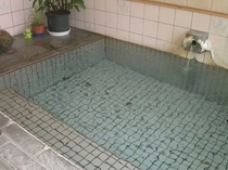 大浴場は地下1階にあります。もちろん源泉かけ流し!