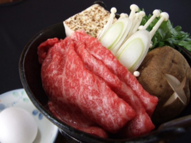 山形牛・米沢牛のすき焼き(夕食オプション)