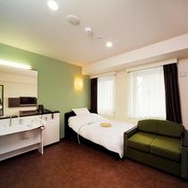◆ユニバーサル◆ 電動式ベッドとソファベッドを完備
