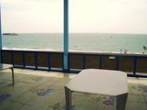 【提携施設】海の家 ふくなが の内観
