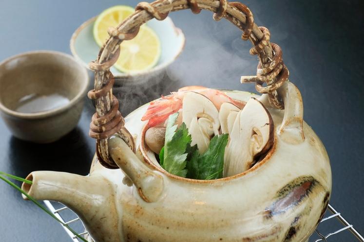 煮物椀の一例_松茸会席