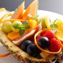 【記念日】季節のフルーツをふんだんに使用したカットフルーツの盛り合わせもご用意可能です。