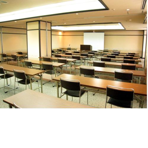 2号館 6〜7会議室 スクール 40名