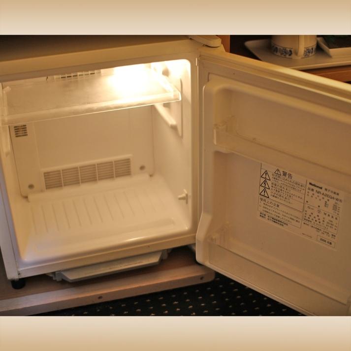 冷蔵庫は空になっております   ドリンクやお土産物の保管にどうぞ