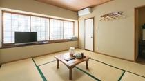 *【客室一例/和室】畳敷きが心地よい落ちた和室で、お寛ぎください。