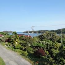 *景色/高台にある当館からは小田の浜ビーチが見えます。