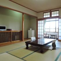 *客室/シンプルな和室でゆっくりと足を伸ばしておくつろぎ下さい。