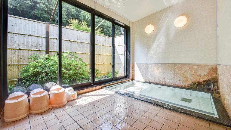 *■お風呂■当館のお湯は【麦飯石】を使用したお湯で、豊富なミネラルを含んでいます。24時間入浴OK★