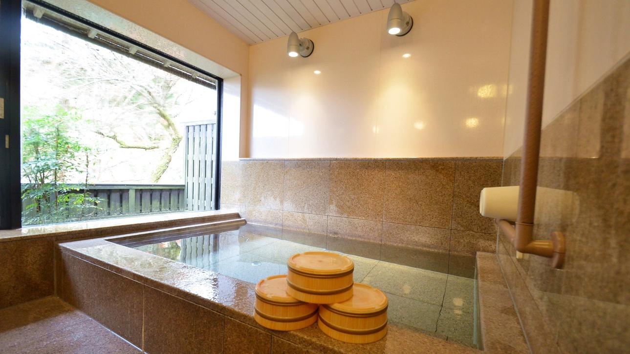 *【風呂】展望風呂でございます。玄界灘を眺める展望浴場が男女1ヶ所ずつございます。