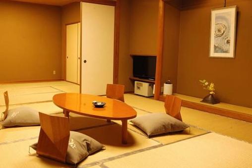 別館 和室10+6畳(401)