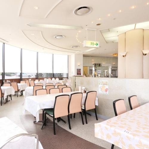 【休業中※営業再開日は未定】1Fレストラン&カフェ『エアポート』