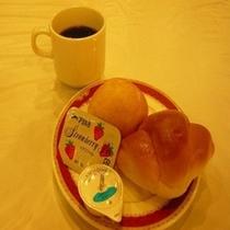 おいしいパンとカキ三コーヒー