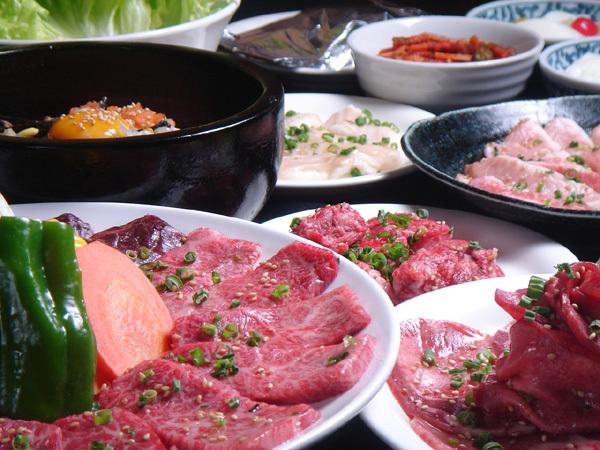 【焼肉】牛繁:国産牛を中心に素材にこだわった美味しい焼肉を提供。