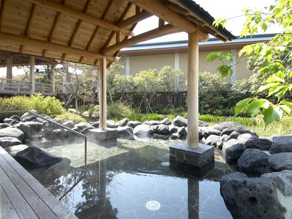 明鏡止水の湯:落ち着いた雰囲気の静かな空間でゆっくりお風呂を楽しめます