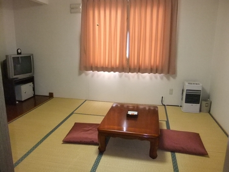 2F/和室6畳(海側)