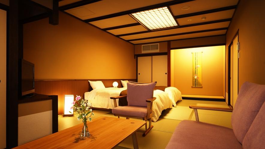 【ツインルーム】311号室_和室にセミダブルベッド2台