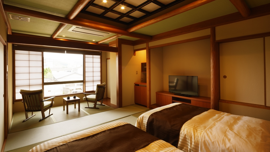 【ツインルーム】わかば_和室にセミダブルベッド2台