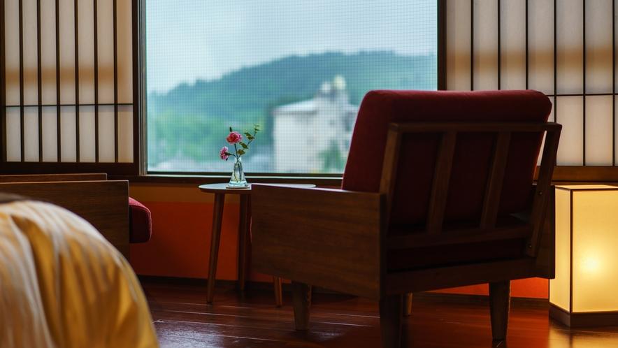 【ツインルーム】407号室_和室にセミダブルベッド2台
