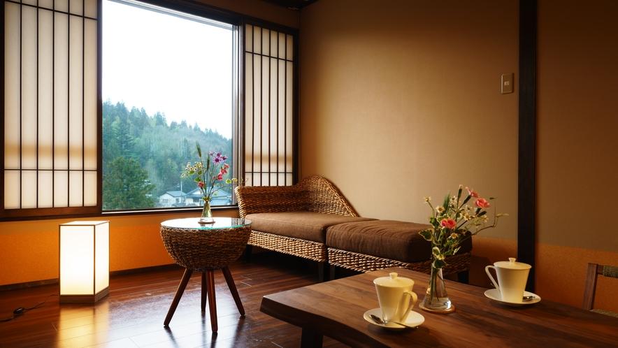 【ツインルーム】410号室_和室にセミダブルベッド2台