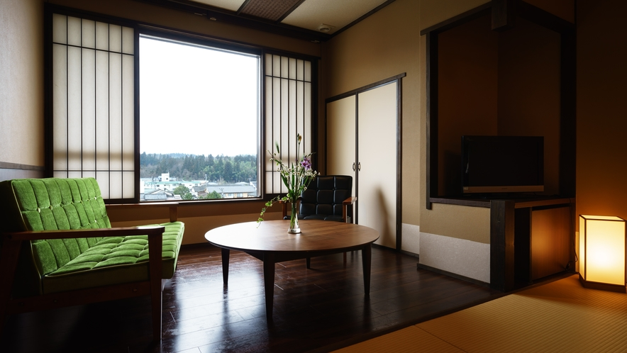 【ツインルーム】405号室_和室にセミダブルベッド2台