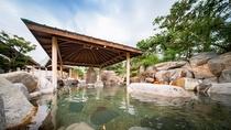 広大な敷地の露天風呂