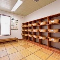 *脱衣処/清潔感のあるゆったり広々とした脱衣スペース。