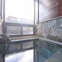 *貸切風呂/気兼ねなく鳴子温泉を独り占め。ご宿泊のお客様は無料でご利用いただけます。(要予約)