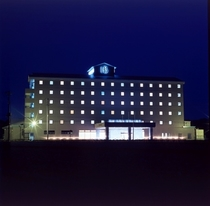 ホテル外観ー夜景