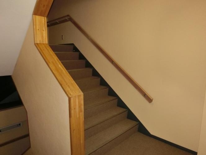 館内 階段