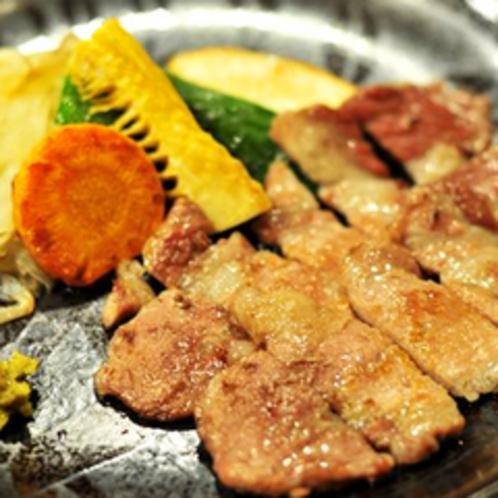 <*イベリコ豚のステーキ>