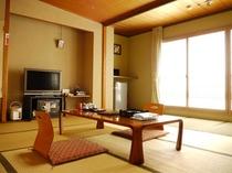 10畳+4畳(縁側)和室の客室例。