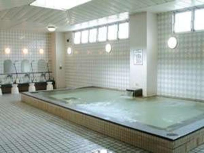 天然温泉の大浴場。湯ったりご入浴いただけます。お肌ツルツル!