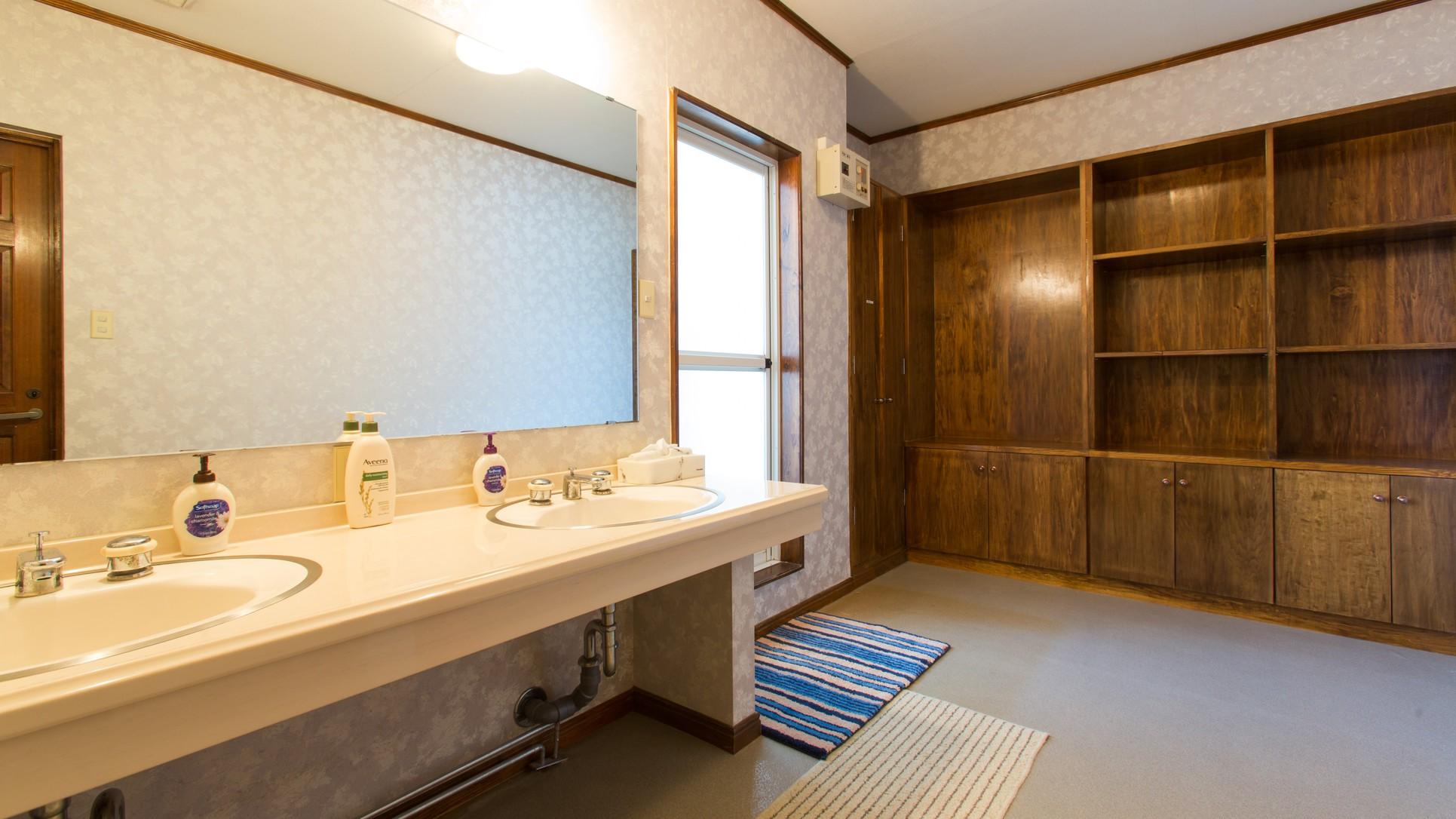 別館スノーガム シャワールーム