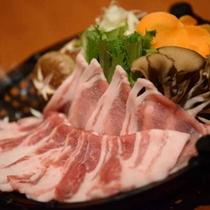 夕食一例<伊豆豚のしゃぶしゃぶ>