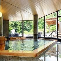 【男性内風呂】自家源泉(奈良偲の里源泉)からの掛け流し100%の温泉をご堪能下さい。