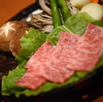 夕食一例<静岡彩美牛の炭火焼>