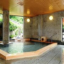 【女性内風呂】自家源泉(奈良偲の里源泉)からの掛け流し100%の温泉をご堪能下さい。