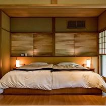 【離れ清貞庵 -室生-】広々としたツインベッドを備えております。