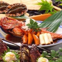 最上級のお料理コース「翠」では、金目鯛・鮑・国産牛・伊勢海老を御用意しております。